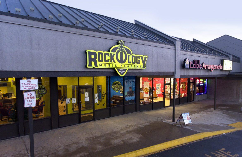 2019 EE Rocklogy-min
